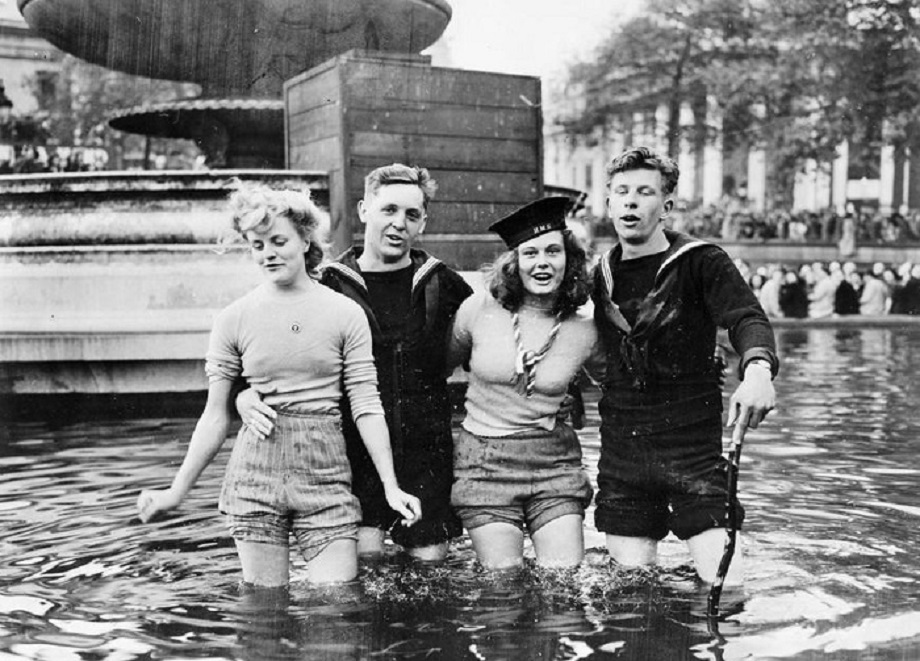 Fountains VE Day